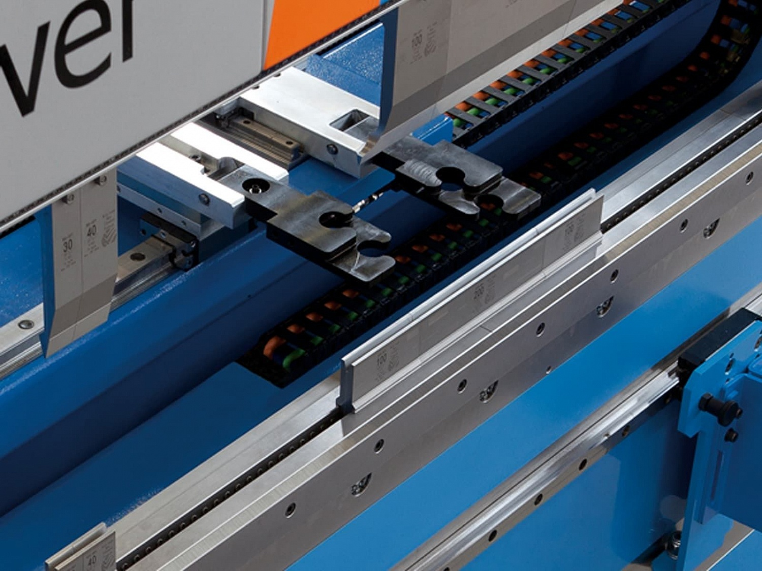 Precision sheet metal bending